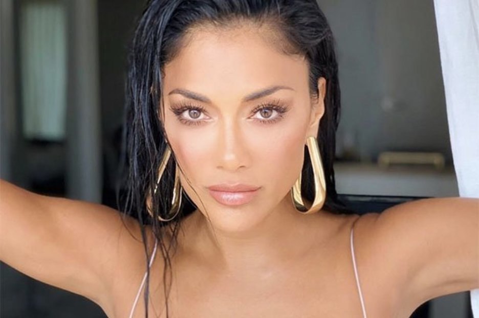 Lewis Hamilton's ex Nicole Scherzinger, 41, gets fans hot and bothered in fully nude look