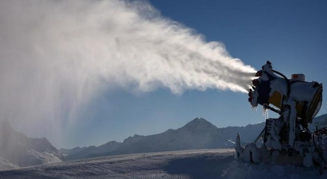 Giant system of snow cannons could stabilize West Antarctic ice sheet