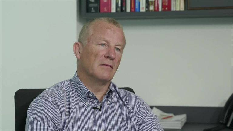Woodford fund goes into second month of suspension