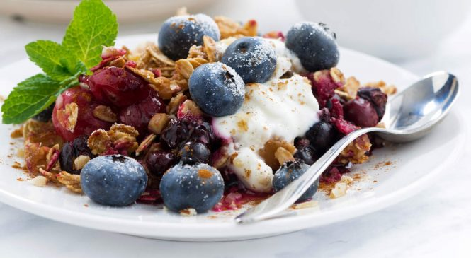 This Easy BlueberryCrisp Recipe Is So Nourishing You Can Eat It for Breakfast
