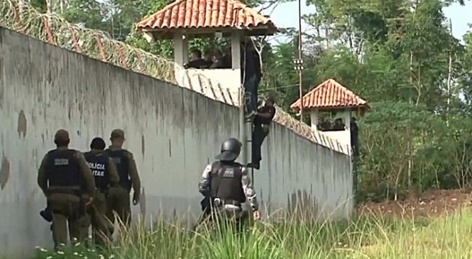 Brazil jail riot in Para state leaves 52 dead as gangs fight