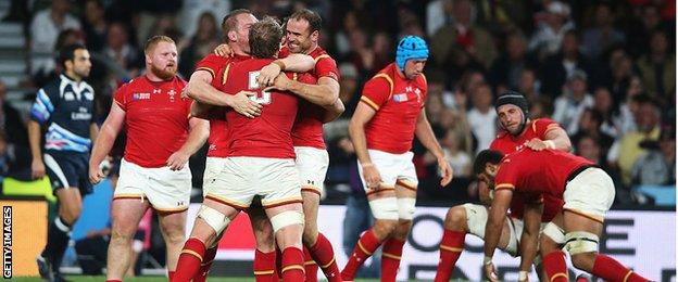 England v Wales: Warren Gatland's side hunt famous win