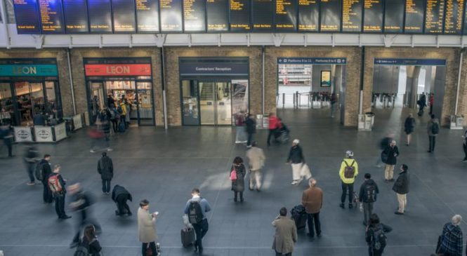 Signal failure at London train station disrupts thousands