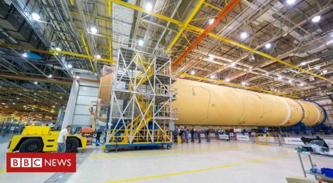 SLS: Nasa's giant 'Moon rocket' takes shape