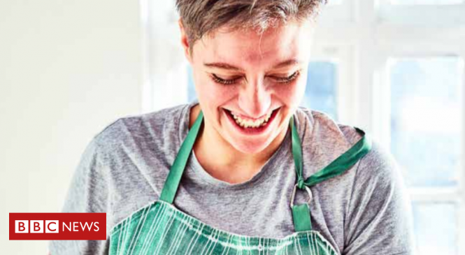 Food writer Jack Monroe 'loses £5,000 in phone-number hijack'