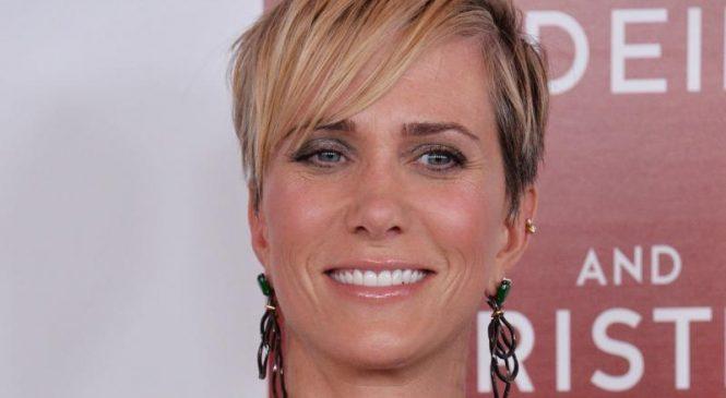 'Bless the Harts': Fox renews Kristen Wiig series for Season 2