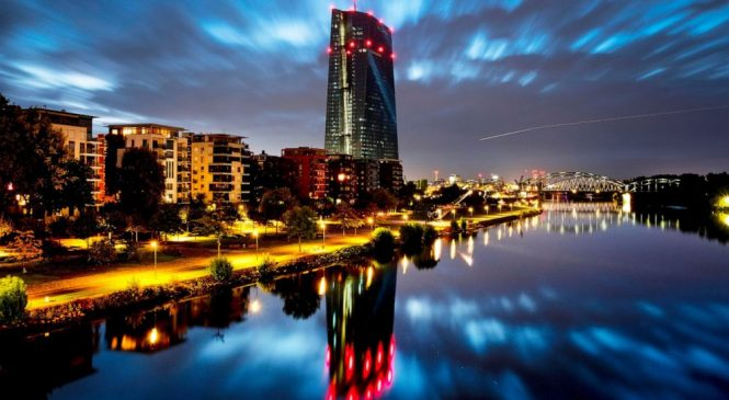 Eurozone inflation drops, underlining case for stimulus
