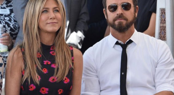 Jennifer Aniston, Justin Theroux reunite for Friendsgiving