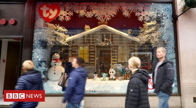 How do toy shops pick the right Christmas toys?