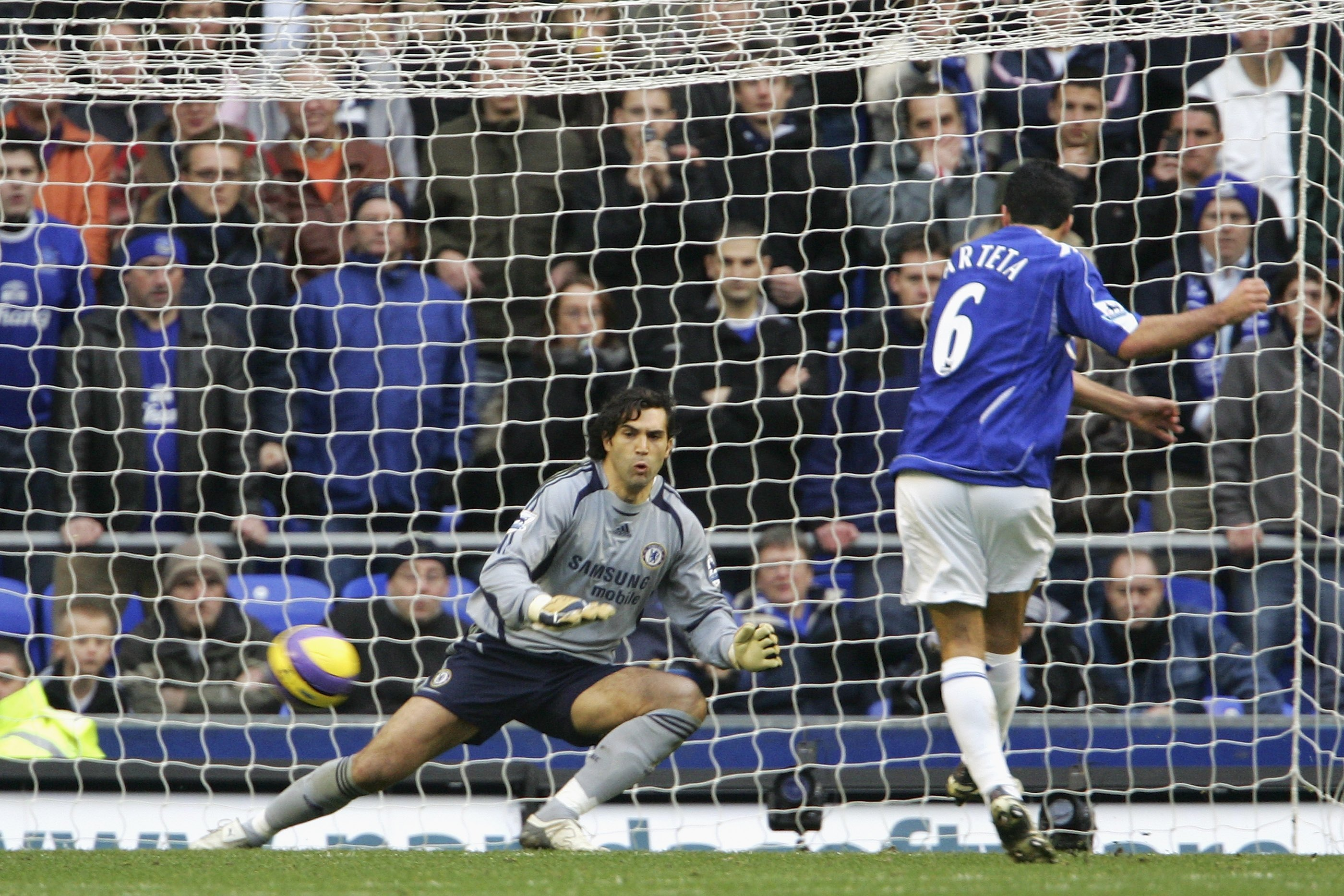 Arteta slots home the penalty