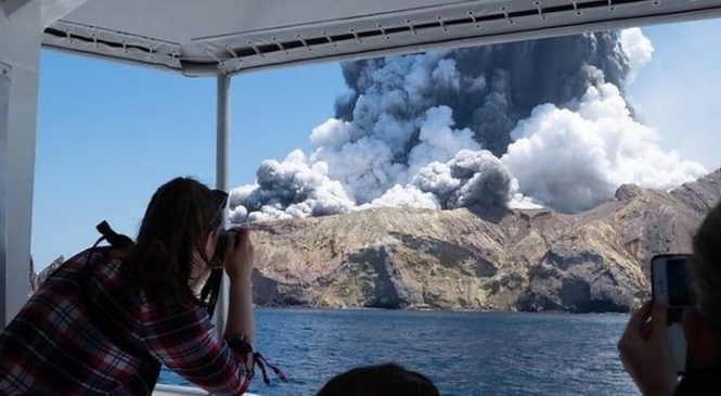 New Zealand volcano: Rescuer tells of 'Chernobyl'-like scene