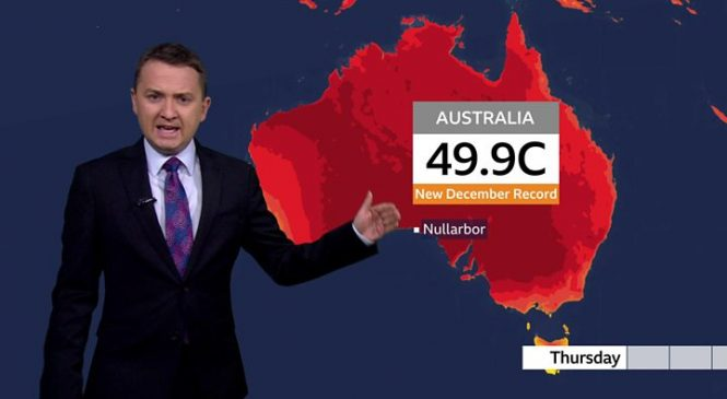 Australia fires: PM Morrison apologises for US holiday amid crisis