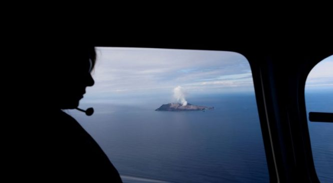 NZ volcano: Six more bodies found as recovery team lands on White Island