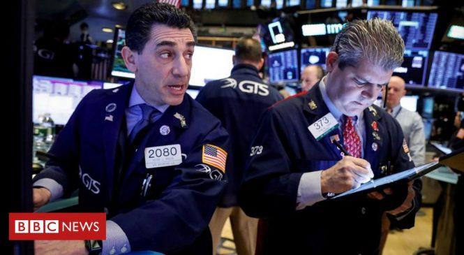Coronavirus fears hit global shares and oil price