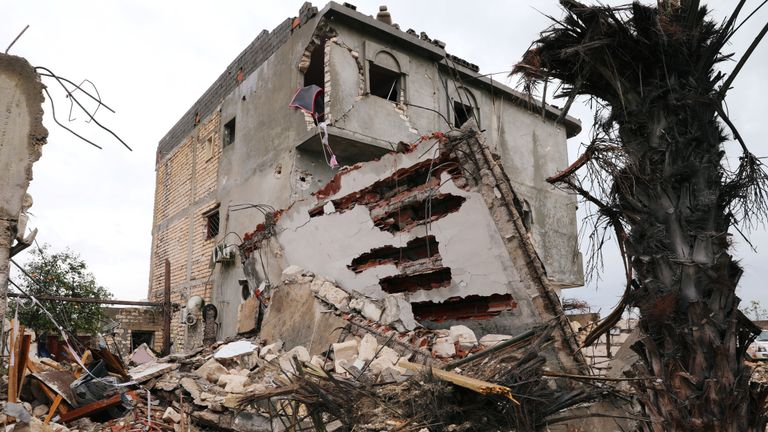 World leaders gather in bid to resolve escalating Libya civil war