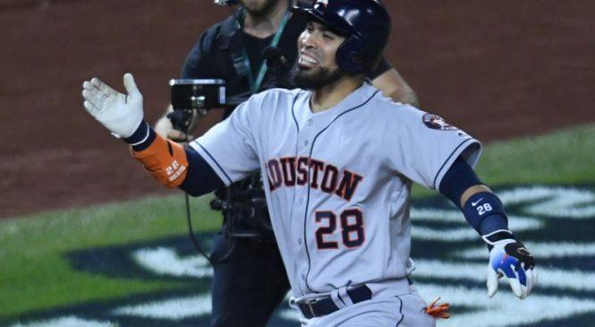Texas Rangers bringing back catcher Robinson Chirinos on one-year deal