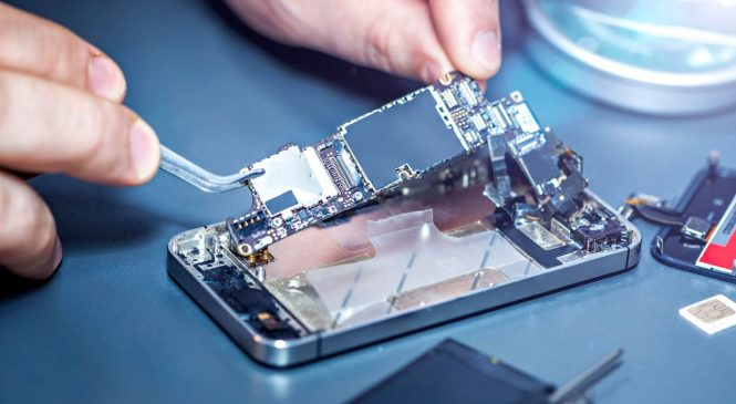 University wins $1.1bn battle with Apple and supplier over iPhone patents