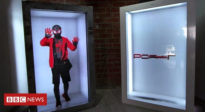Portl's 'holoportation booth' lets users beam-in live and life-sized