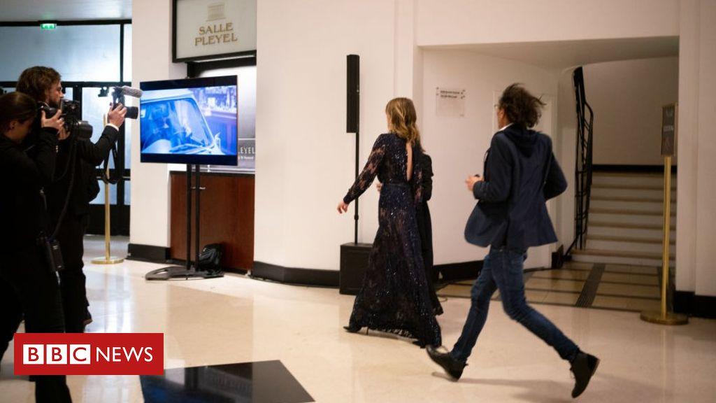 Roman Polanski: Actress walkout as he wins best director at 'French Oscars'