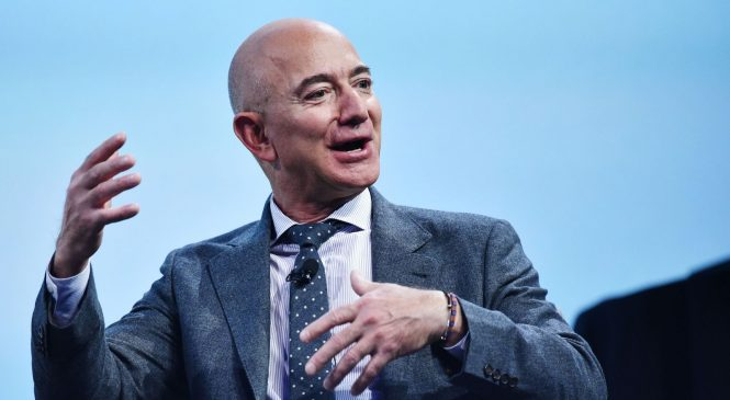 Amazon founder commits $10bn to fight climate change