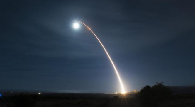 Air Force tests Minuteman III strike missile in Vandenberg launch