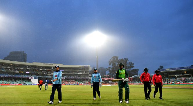 England's hopes of ODI series win in South Africa ended by bad weather