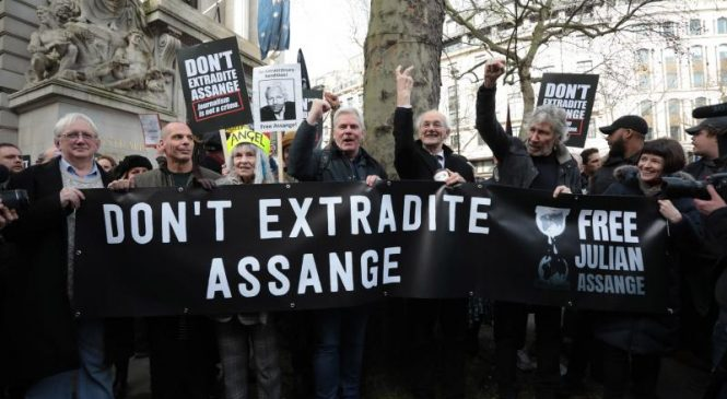 London protesters rally against Julian Assange extradition