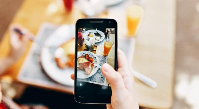 Young people may copy friends' eating habits from social media, study finds