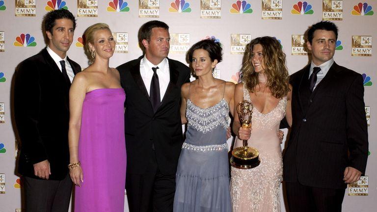 L-R: Friends cast - David Schwimmer (Ross), Lisa Kudrow (Phoebe), Matthew Perry (Chandler), Courteney Cox (Monica), Jennifer Aniston (Rachel) and Matt LeBlanc (Joey)