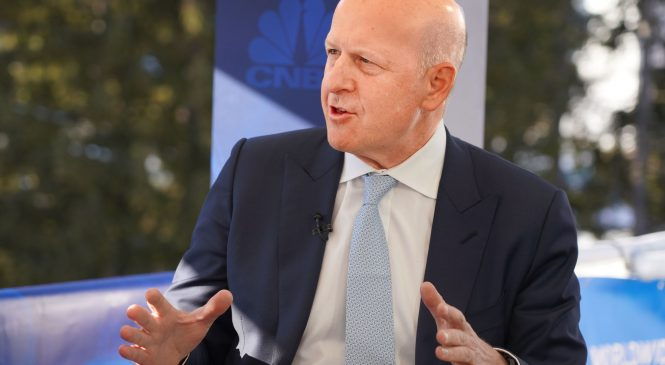 Goldman Sachs CEO David Solomon gets a 20% raise to $27.5 million for his work in 2019