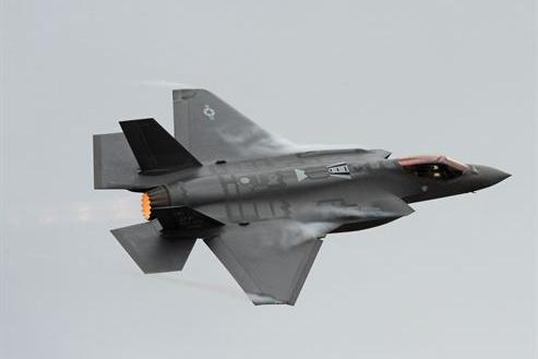 Navy awards nearly $320M to Pratt & Whitney to produce F-35 engines