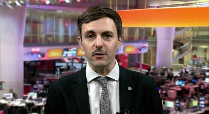 Coronavirus: Emergency legislation 'will protect NHS volunteers'