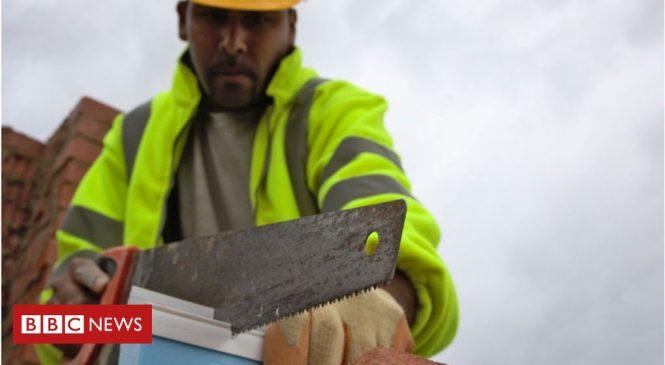 Coronavirus: Home insulation 'could create cheap jobs'