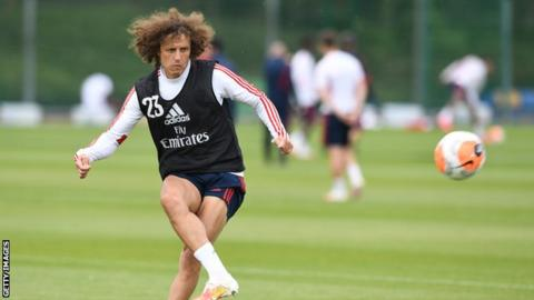 David Luiz: Arsenal defender signs new one-year contract at club