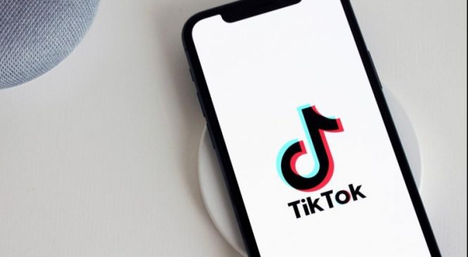 India blocks TicTok, WeChat, dozens of other Chinese apps