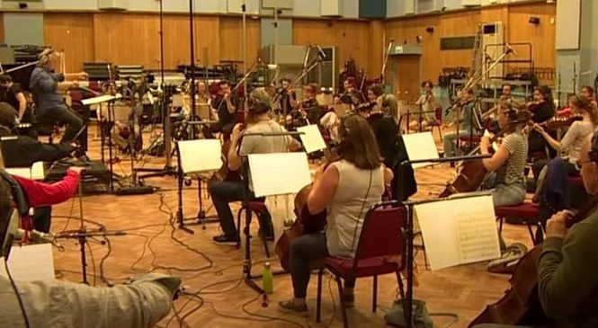 Coronavirus: Two-metre rule 'must be relaxed for musicians'
