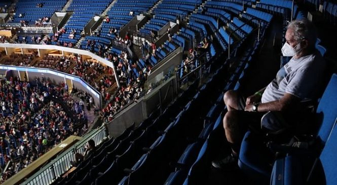 Donald Trump: Tulsa rally fails to draw expected crowds amid virus fears