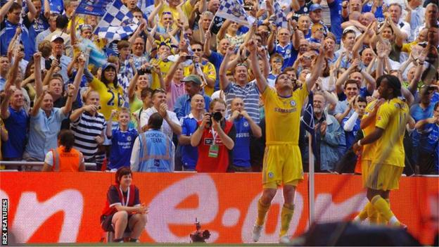 Frank Lampard celebrates scoring the winner for Chelsea against Everton n the 2009 FA Cup final
