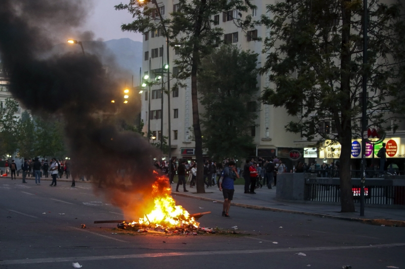 Scientists attempt to model spread of social unrest, riots