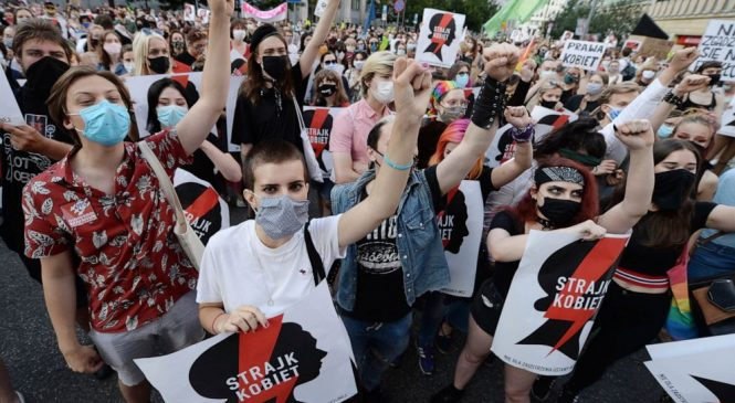 Protests decry Polish gov't plan to leave anti-violence deal