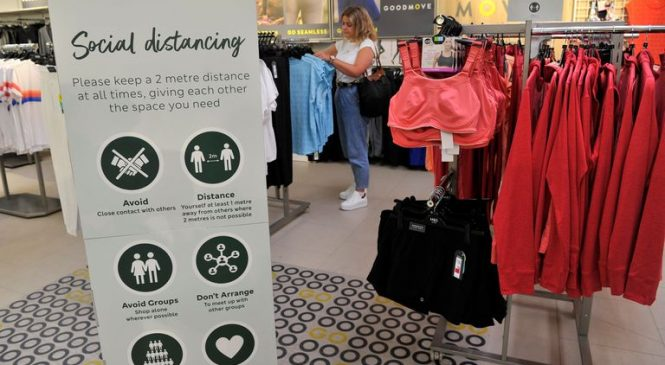M&S to announce hundreds of job cuts this week