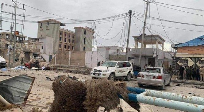 At least 16 killed in attack on beachside hotel Somalia's capital