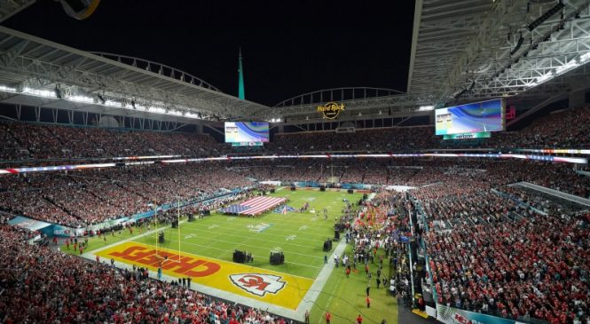 Miami Dolphins to allow 13,000 fans, require masks at Hard Rock Stadium
