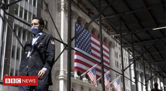 Continued tech sell-off drags Wall Street lower