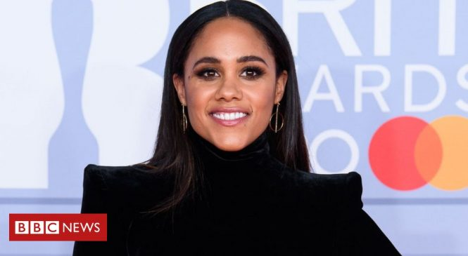 Alex Scott thanks fans for support after online abuse