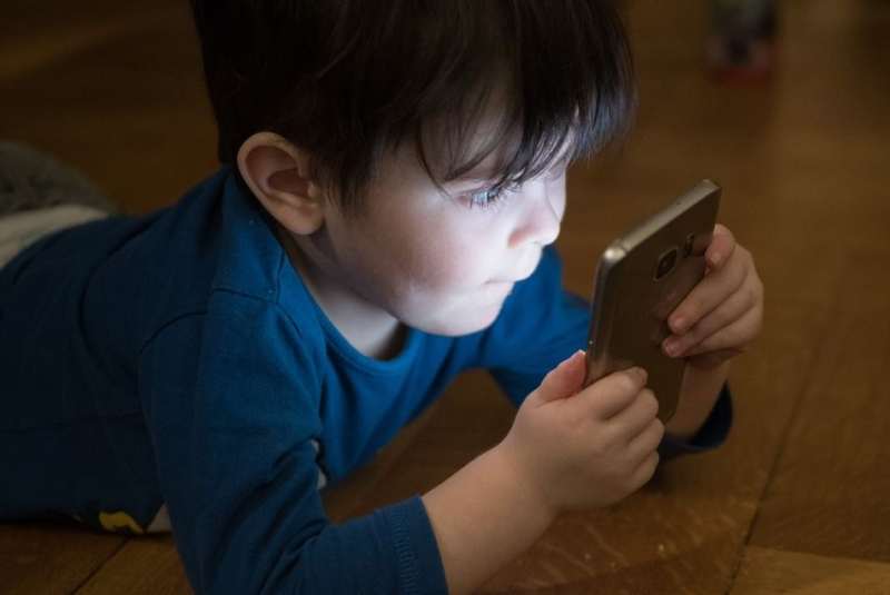 Kids' 'green' time reduces adverse effects of 'screen' time on behavior, learning