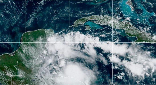 Hurricane Nana hits Belize, then weakens over Guatemala
