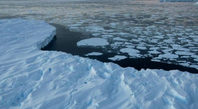 Ice sheets melting at 'worst-case scenario rate', research warns
