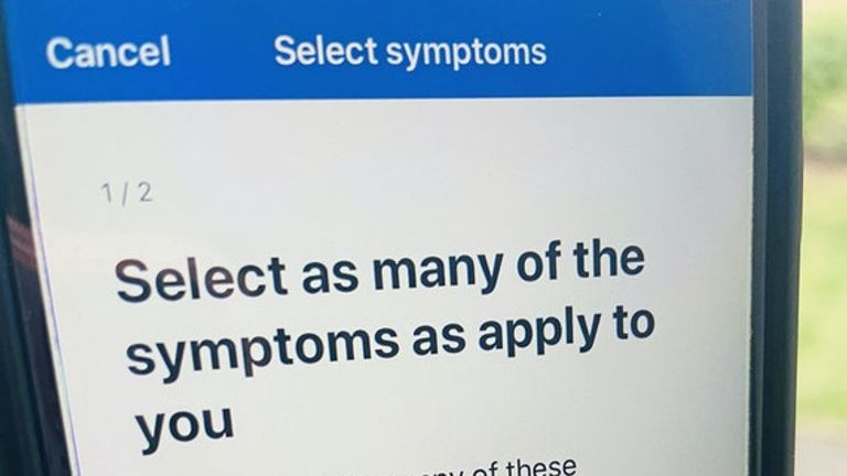 If you show symptoms the app will message other users you have been in contact with