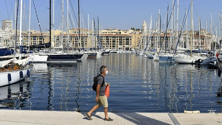 'Fragile generation' being hit as Marseille doctors deal with 'alarming' second wave